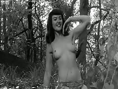 Gretchen_Mol-The_Notorious_Betty_Page
