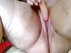 laura toying sweet pussy